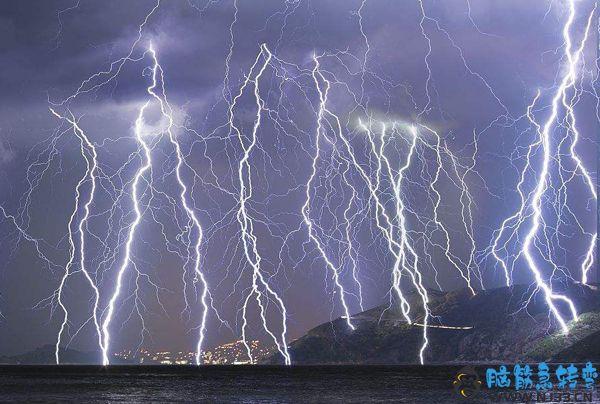 为什么先看到闪后听到雷?